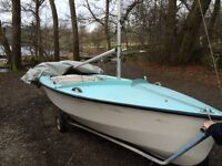 Well Maintained Mark 1 Fibre Glass Wayfarer Sailing Dinghy