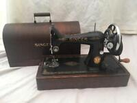 Singer 1939 sewing machine with carry case
