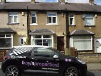 To offer this newly decorated 2 Bedroom through terrace property