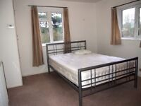 A 1 bed flat to rent in Manor Park Road, East Finchley N2