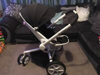 Quinny moodd full travel system pushchair carrycot and maxi cosi car seat suitable from newborn