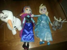 L@@K LARGE SOFT FROZEN TOYS CAN POST