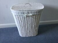 Laundry basket - White - Seagrass Unwanted gift
