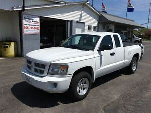 2011 Dodge Dakota SXT SHARP SHARP !! WE FINANCE !!
