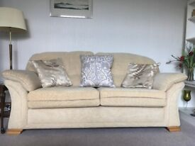 3 Piece sofa suite - Almost Perfect Condition - All cushions included