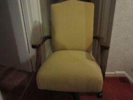 Modern ducal swivel office desk chair in gold hardly used