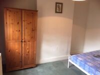 Double Room In Raynes Park