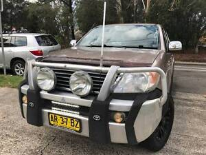 MY07 2006 Toyota Hilux SR5 4x4 DUAL CAB MANUAL LOGBOOKS 2 Keys Sutherland Sutherland Area Preview