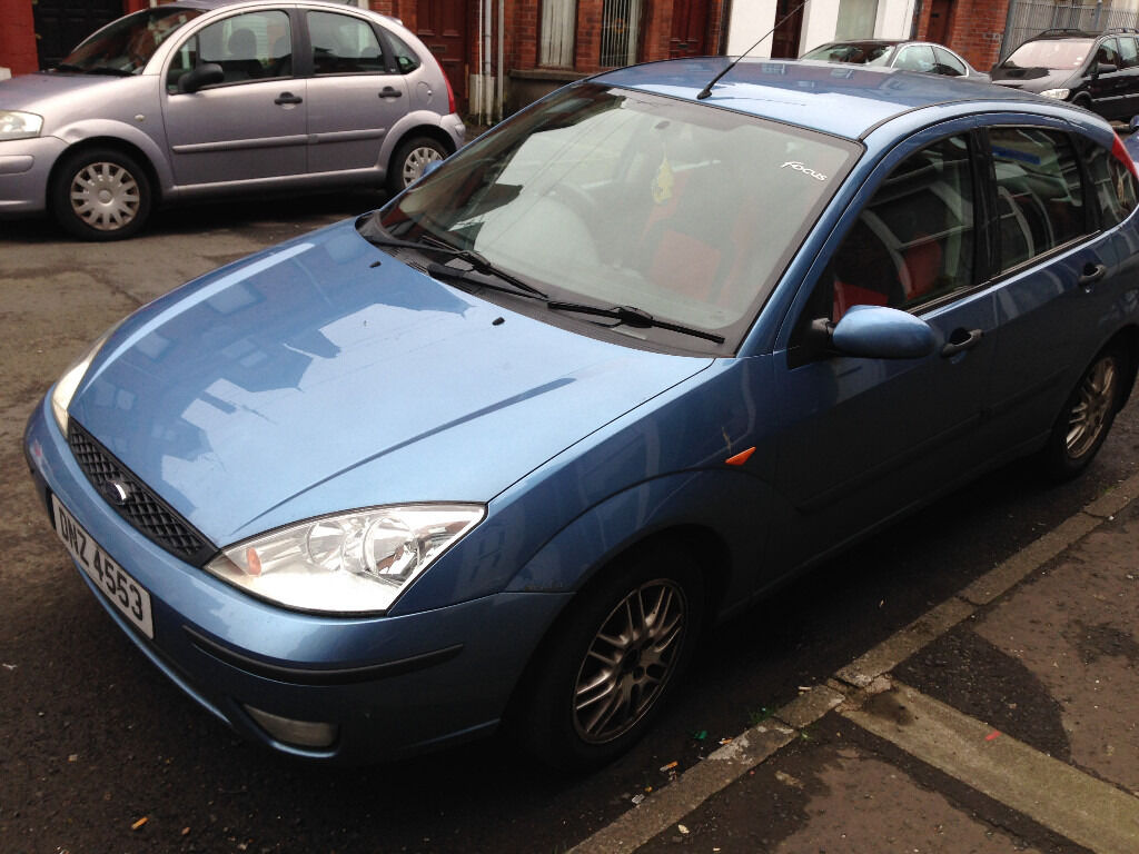 Ford Focus 2002 blue
