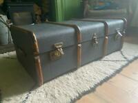 Steamer case / chest / coffee table / vintage / trunk