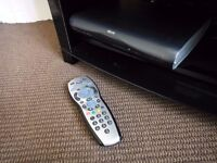 SkyHD Digibox With Remote Control & Cable. DRX595