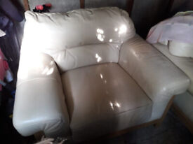 Sofa and chairs leather white, good conditions