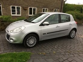 Renault Clio 1.5 DCI eco2 Expression 5 door with full service history cam belt changed parrot kit