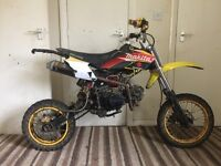 Akuma pit bike 110cc