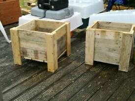Pallet & decking planters