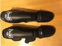 *AS NEW* Top King Muay Thai Shin Guards, Size S