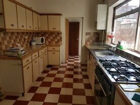 To Rent - 4 Bedroom - Foleshill - Available Now
