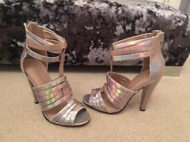 Little mistress sandals size 3-4