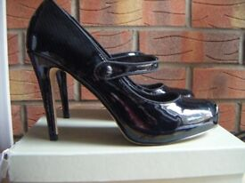 Carvela Kurt Geiger Black Patent Women's Shoes - Size 40