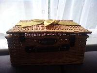 Excellent Large Luxury Regency Hampers Wicker Picnic Storage Present Basket