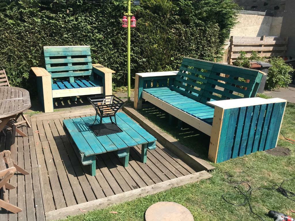 Garden furniture pallets chairs