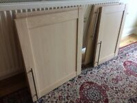 Selling 4 Howdens kitchen unit doors