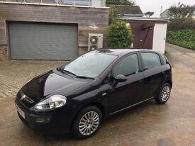 Black Fiat Punto Evo Active (2011) 1.4 8v 5dr