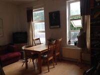 Large sunny room available in Stoke Newington