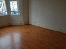 2 Bedroom House 2 Receptions To Let in Ilford, IG1