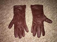 Women gloves 1£ each