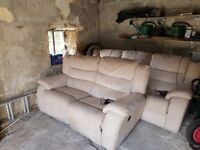 Free 3 seater & 2 seater electric recliners. collection only.