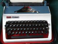 Daro Erika Portable Manual Typewriter, lovely condition!