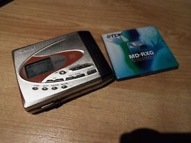 Sharp md-8r60 portable minidisc player/recorder (Great condition)