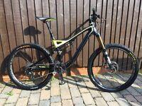 Specialised Stumpjumper Evo Expert full carbon mountain bike.