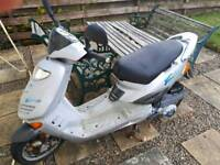 ADLY 125cc Scooter *spares or repair*