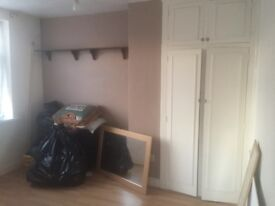 Double room to rent in ponders end Enfield