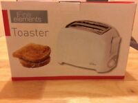 NEW Fine Elements Toaster - 2 Slice Toaster with Slide - Out Crumb Tray White