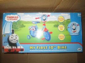 "THOMAS TANK 10"" INCH BIKE WITH STABILISERS BRAND NEW IN BOX"
