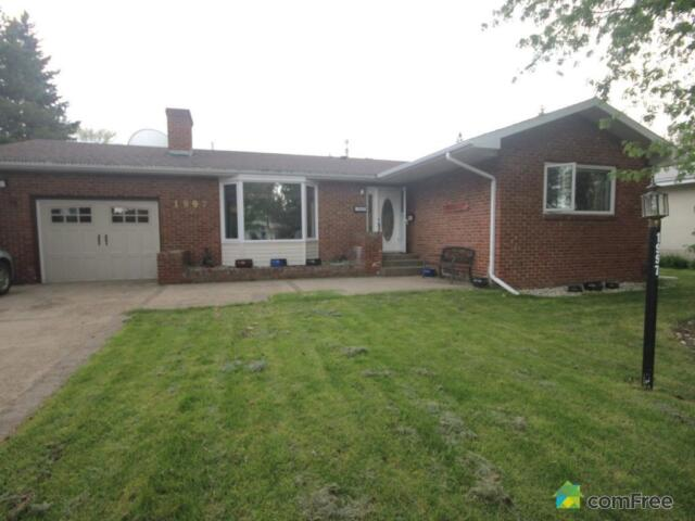 $421,000 - Bungalow for sale in Sherwood Park