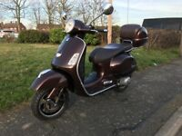Vespa GTS 125 mot in good condition 1499£