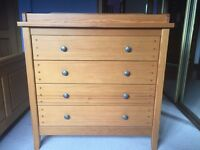 Mamas and papas Hampton chest of drawers with changing unit.