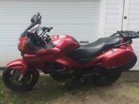 Honda Deauville 650 Cherry Red