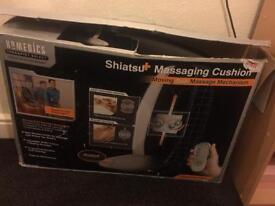 Shiatsui cushion massage chair