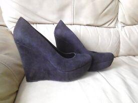 Womens New Black Slip on High Heeled, platform shoes size 8 UK