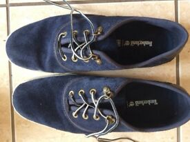 Timberland navy blue suede men's casual shoes. Lave up. Worn but in good condition.