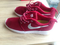 Nike Roshe One - UK size 7.5 & 8.5 Mens