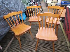 4 pine dinning chairs