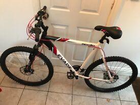 Nearly new Apollo Evade Mens Mountain Bike