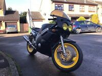 Yamaha FZR 600 Motorbike complete mot taxed running lovely engine
