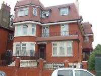 3 Double Bedrdoom Flat By Streatham Common Station - ONLY £430 Per Week!!!